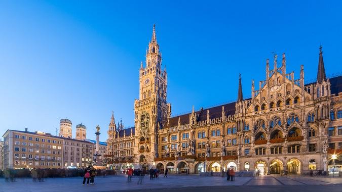 Mittelalterliche Städte waren gut durchmischt – sowohl Bürger als auch Nichtbürger lebten dort. Bürger hatte alle Freiheiten und mussten nicht an der Heerfahrt teilnehmen. (#01)