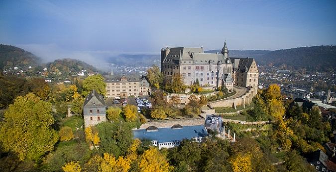 Die Altstadt von Marburg weiß zu bezaubern, wobei diese sogar die beiden Weltkriege fast unbeschadet überstanden hat. (#03)