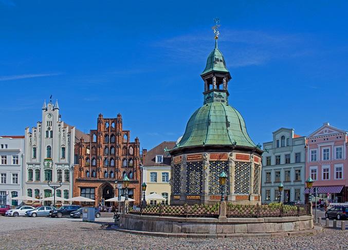 Historische Orte wie dieser lassen den Besucher ein Gefühl für die damalige Zeit bekommen – sogar der Grundriss von Wismar ist bis heute fast unverändert geblieben. (#06)