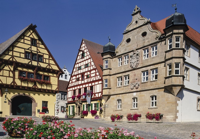 Besuchen Sie in Wolframs-Eschenbach auch die St. Sebastian Kirche, die Alte Vogtei und das Hohe Haus, welches übrigens bereits im Jahr 1440 errichtet worden ist. (#02)