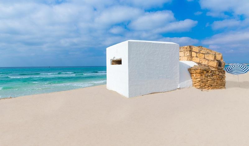 Der Strand gehört zu einem der beliebtesten Ziele im Süden Mallorcas und das zu recht. (#01)