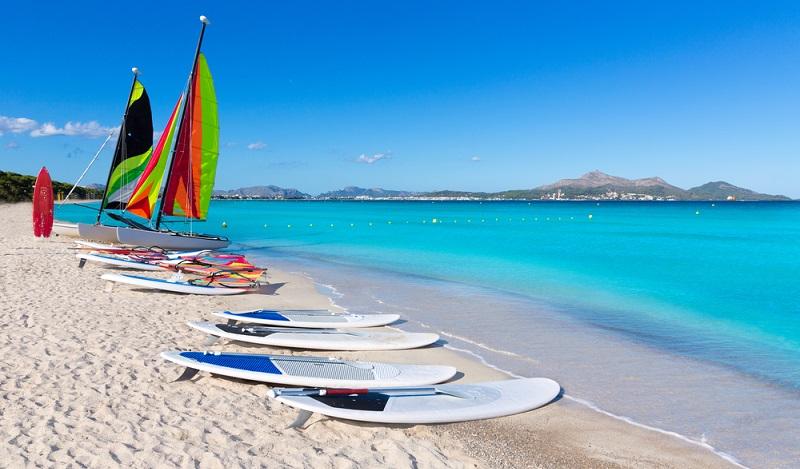 Wenn man sich gerade im östlichen Teil der Insel befindet, sollte man sich Platja de Muro nicht entgehen lassen. (#06)