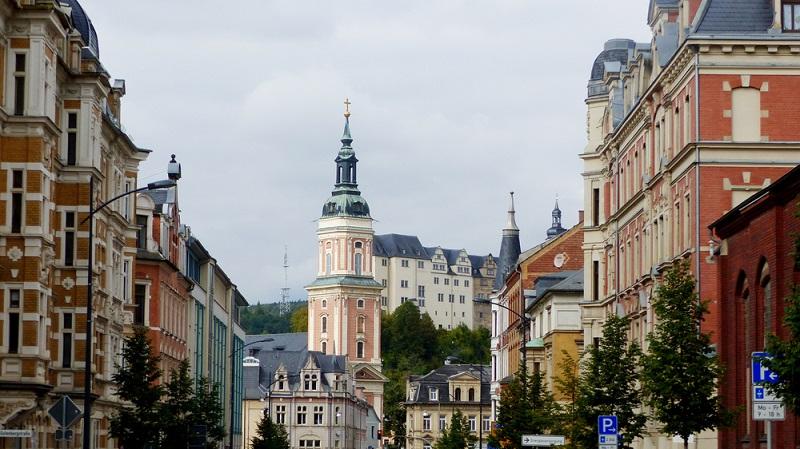 In vielen Städten können Sie sogar einen Mietpreis für weniger als sechs Euro pro Quadratmeter bekommen, allerdings sind das nicht unbedingt die angesagten Metropolen oder wenigstens die Stadtzentren. (#01)