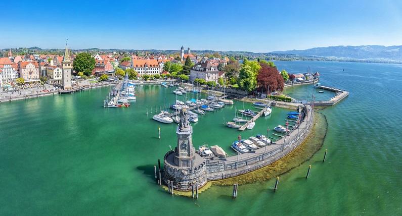 Ganz im Süden Deutschlands befindet sich der größte See des Landes – der Bodensee. (#01)