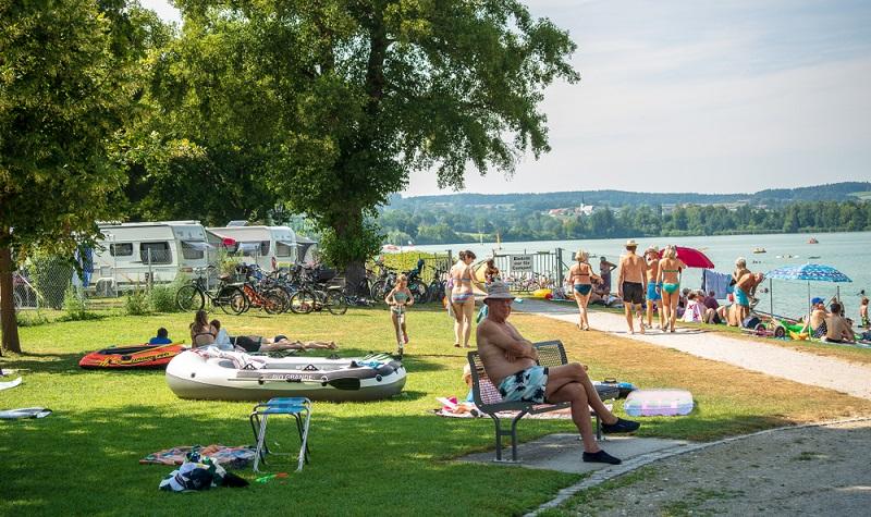Dieser Campingpark liegt am wärmsten See Oberbayerns und ist ein Paradies für Camping-Fans.