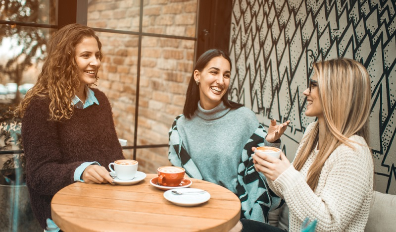 Die schönste Art, Kaffee zu genießen: Gemeinsam mit Freunden in einer netten Runde. (#3)