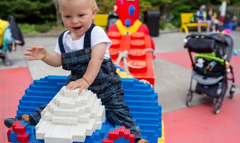 Das erinnert die jetzigen Eltern sogar an ihre eigene Kindheit: Dublo, Lego & Co.! I