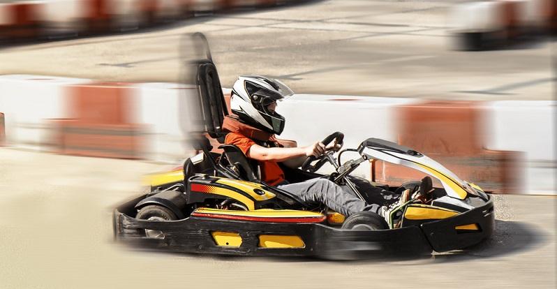 Für ältere Kinder und Erwachsene warten dann super Angebote wie eine Rafting-Bahn, Go-Karts, eine Achterbahn uvm.