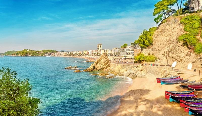 Sa Caleta bei Lloret de Mar Hier trifft Badevergnügen auf eine atemberaubende Aussicht.