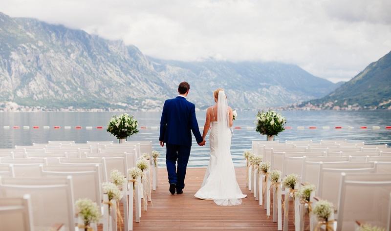 Die Hochzeitsfeier Location lässt den langersehnten Traum in weiß erst zum angemessenen Event werden.