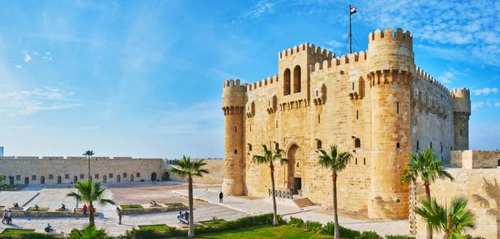 Die Checkliste für den Urlaub in Ägypten. Was brauchen wir im Hotel, am Strand, bei der Einreise? (Foto: shutterstock - eFesenko)
