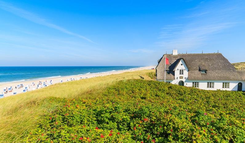 Sofort nach der Ankunft eröffnet sich dem Urlauber der romantische Charme der Insel. ( Foto: Shutterstock-_Pawel Kazmierczak  )