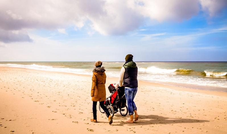 Der Traum Meerblick Kampen ist auch für Familien in greifbarer Nähe.  ( Foto: Shutterstock-Sina Ettmer Photography)