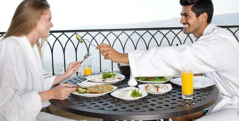 Wer Wellness bucht, soll sich auch wohlfühlen und das gilt gerade für die Damen und Herren, die die Zeit zu zweit besonders genießen wollen. ( Foto: Shutterstock-diplomedia )